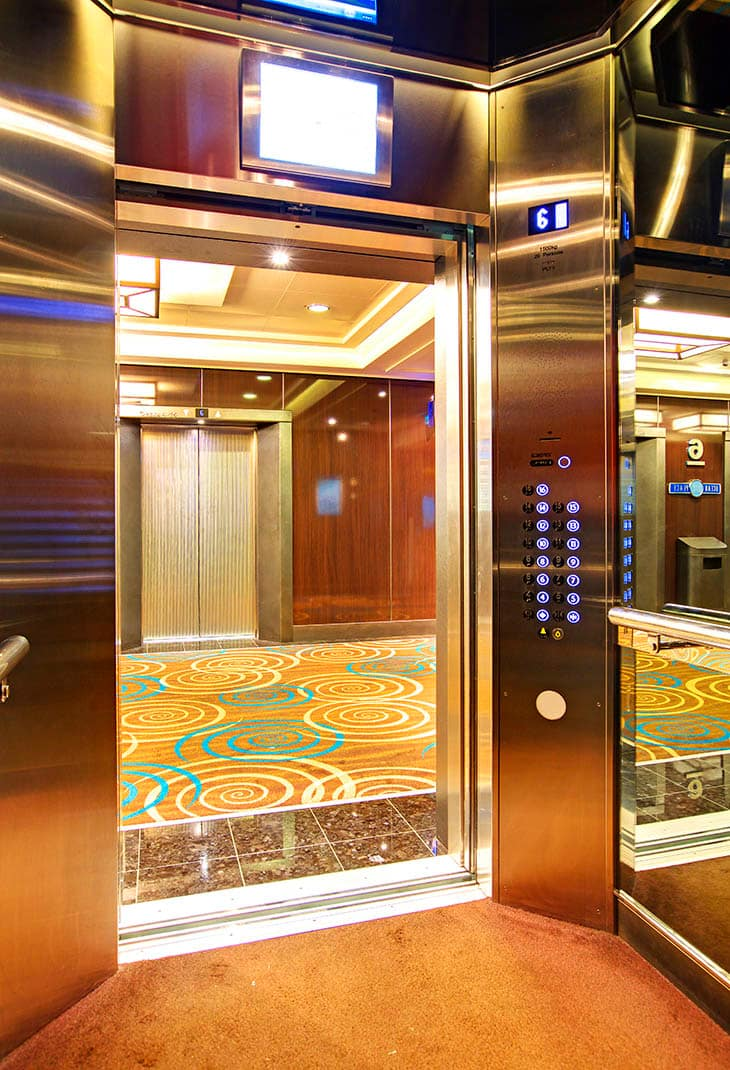 img_inside-elevator-2nd-view_730x1070