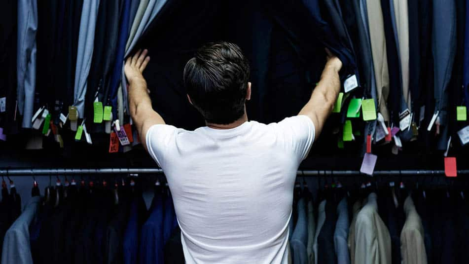 img_man-at-tailors_951x535